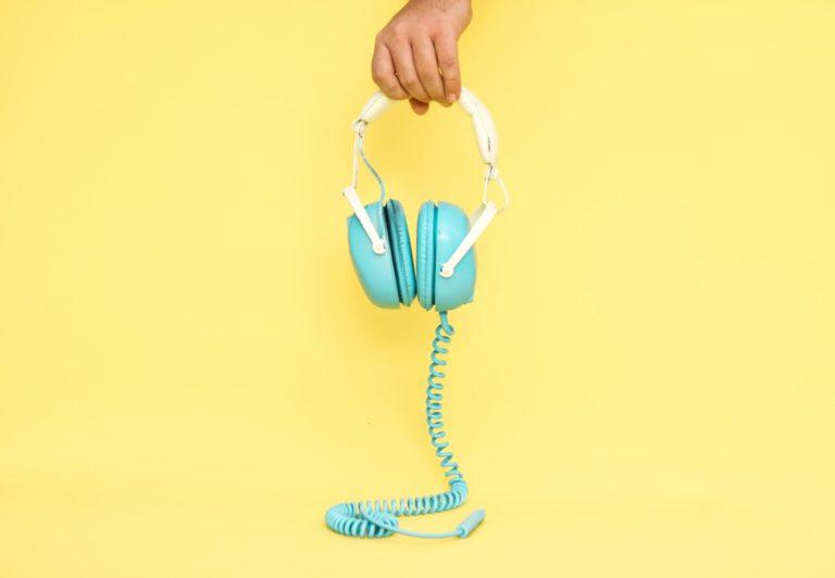 Jak dzielić się podcastami i jak je polecać